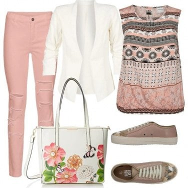 Outfit Rosa antico in chiave moderna