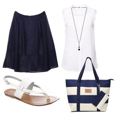 Outfit Bianco e blu a righe
