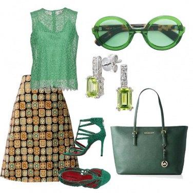 Outfit Verde bon ton e un pizzico di etnico