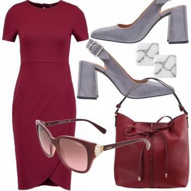 Outfit Perfetta in bordeaux e grigio