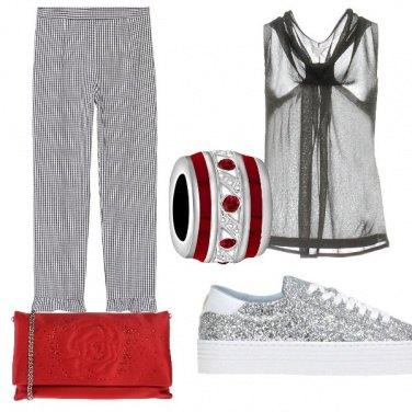 Outfit Sneakers di sera