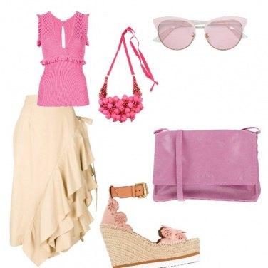 Outfit Tonalita rosa e beige