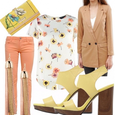 Outfit Apricot