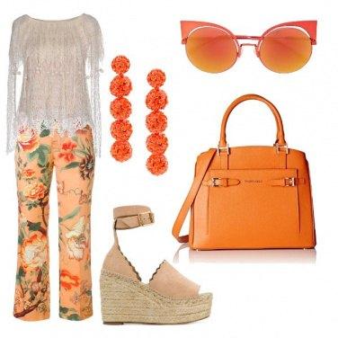 Outfit Pantalone crop e zeppa