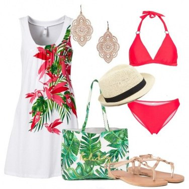 Outfit Fantasie tropicali in spiaggia