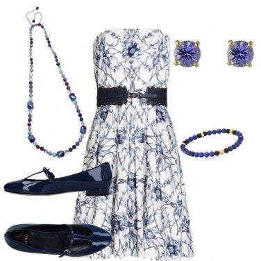 Outfit Con le scarpe di vernice