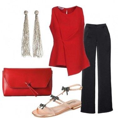 Outfit Rosso e nero e sandalo gioiello