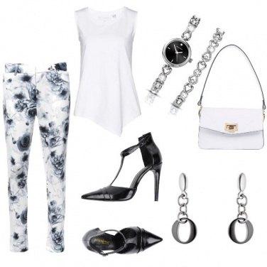 Outfit Pantaloni a fiori