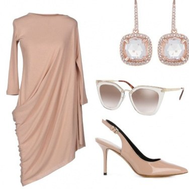 Outfit Nude color