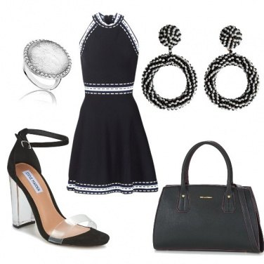 Outfit Scollo all'americana in bianco e nero