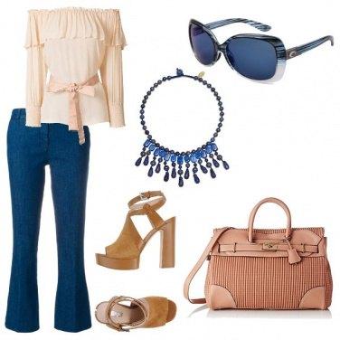 Outfit Scollo a barca e pantaloni crop