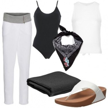 Outfit Yoga in spiaggia