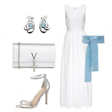 Outfit Il vestito bianco con perle