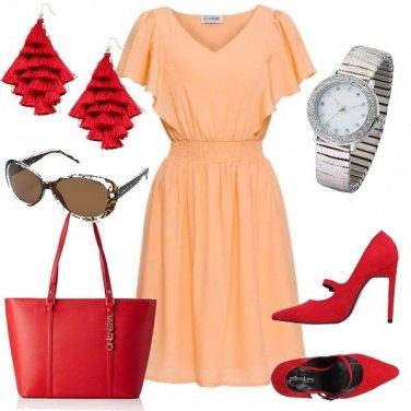 Outfit Rosso e albicocca