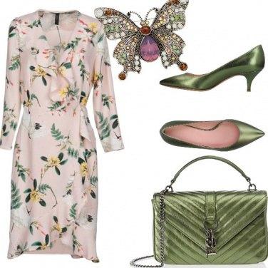Outfit Verde e cipria