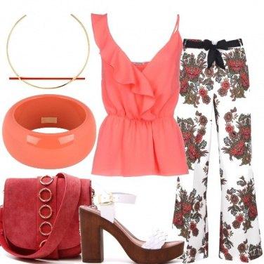 Outfit Il sandalo con zeppa