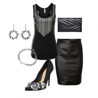 Outfit Total black in pelle