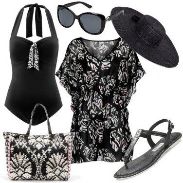 Outfit In nero per il mare
