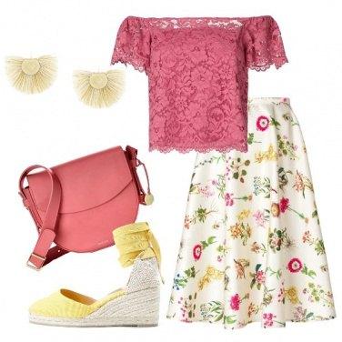 Outfit Fiori delicati e pizzo