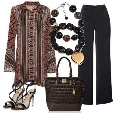 Outfit La tunica e il pantalone con lo spacco