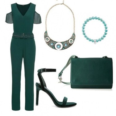 Outfit Collana in mostra