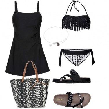 Outfit Bianco e nero in spiaggia
