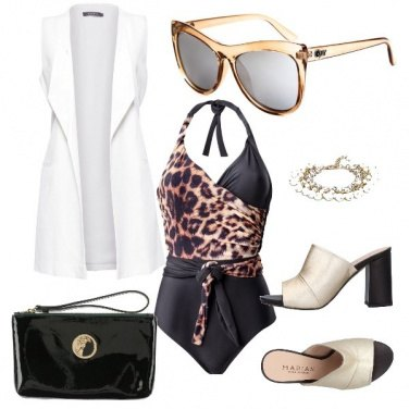 Outfit Per un cocktail in piscina