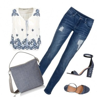 Outfit Blu jeans forever
