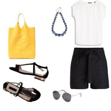 Outfit Basic, un tocco di colore in città