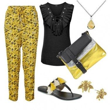 Outfit Schwarz und gelb
