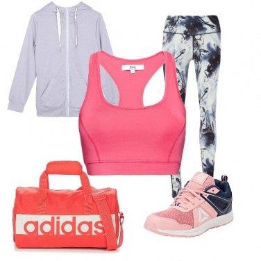 Outfit Comoda e colorata per lo Yoga