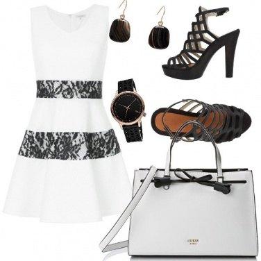 Outfit In bianco e abbronzata