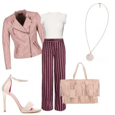 Outfit Rosa con stile sandalo glam