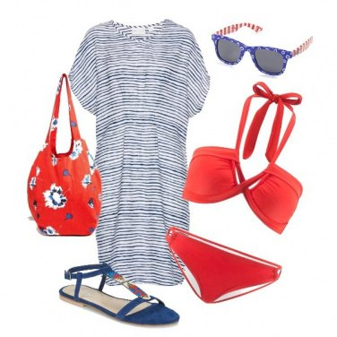 Outfit Rosso e blu in spiaggia