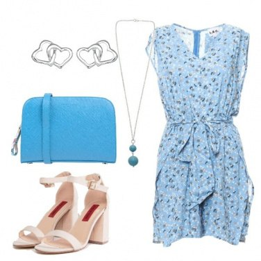 Outfit Romantica in playsuit floreale