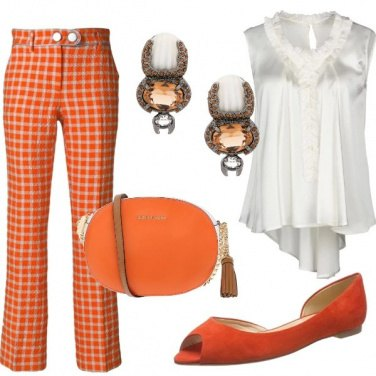 Outfit Chic in arancione