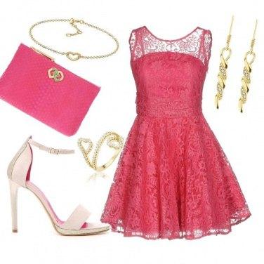 Outfit Fucsia con stile