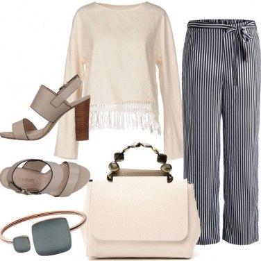 Outfit Colori classici e linee morbide