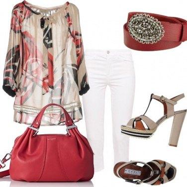 Outfit Pantalone capri e tacco