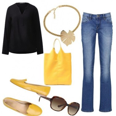 Outfit Basic, in giallo