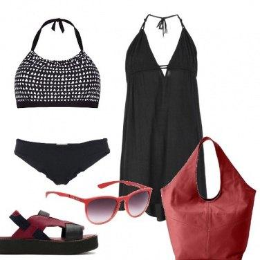 Outfit In spiaggia di rosso e nero