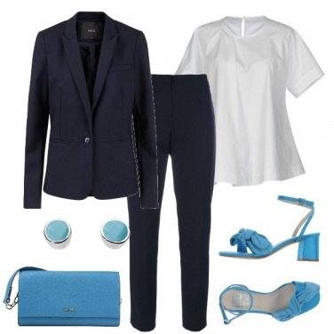 Outfit Con il completo blu