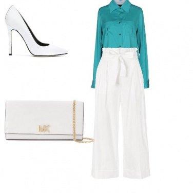 Outfit Bianco e un tocco di turchese