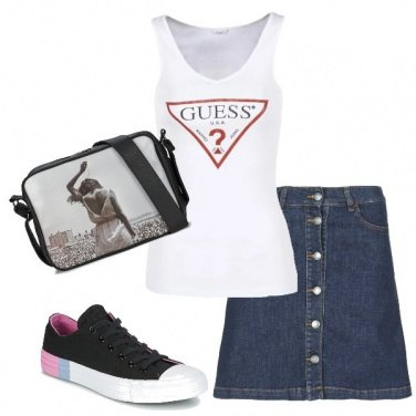 Outfit Gonna in jeans e canotta Guess
