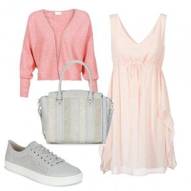 Outfit Essenziale e romantico