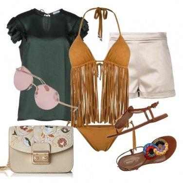 Outfit Al mare con le frange