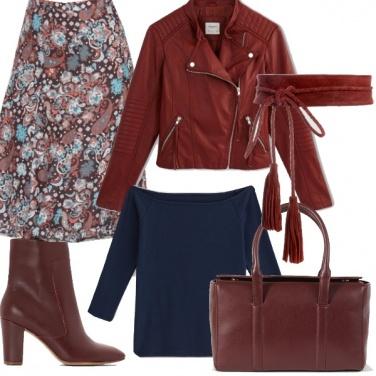 Outfit Blu e burgundy.