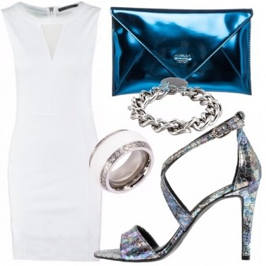 Outfit Bold true white x