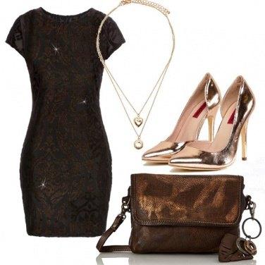 Outfit Un abito scintillante