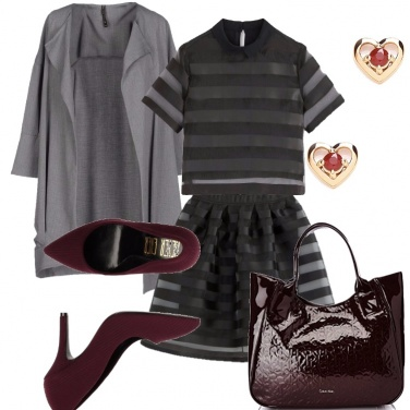Outfit Black, grey, burgundy.